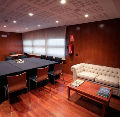 Celebrate your business meeting in Utebo