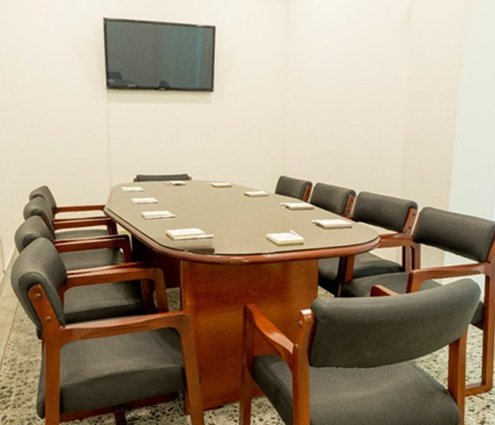 The Gerencial room is ideal for small business meetings. It ...