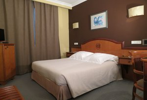 The Sercotel Ciudad de Oviedo has Superior double rooms. All ...