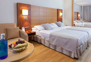 The Sercotel Gran Fama has 30 twin rooms designed to ...
