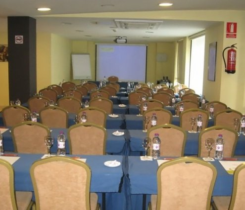 The Meeting Room at Sercotel Hotel Màgic Andorra in Andorra ...