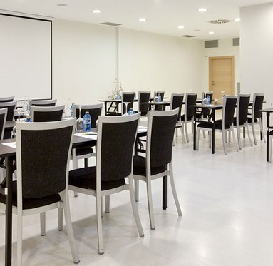 Organize your business meetings at the Gran Bilbao Hotel