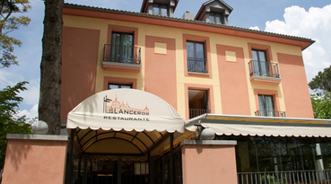 Welcome to the Sercotel Los Lanceros Hotel, a hotel with a fabulous location in Madrid, in the most northern area of San Lorenzo de El Escorial, in front of Felipe II Park. 