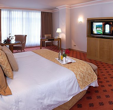 Enjoy the comfort and luxury of our superior rooms