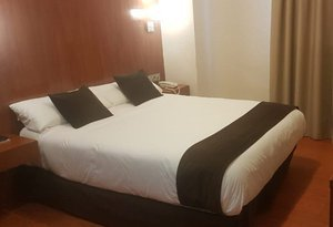 At Sercotel Hotel Familia Conde we have single rooms for ...