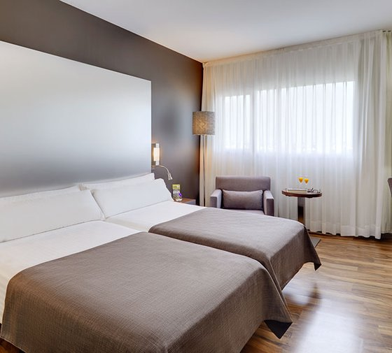 The Sercotel JC1 Murcia Hotel has double rooms with spa ...