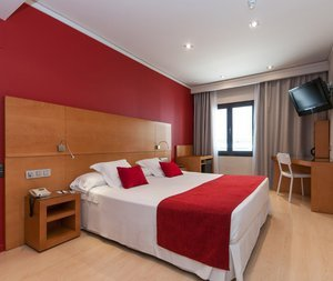Spacious and comfortable rooms in the center of Barcelona