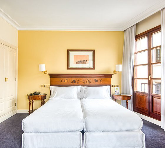 We offer double rooms with double beds, ideal for couples ...