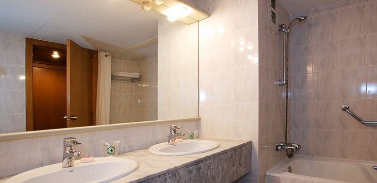 All our rooms have spacious and stylish bathrooms