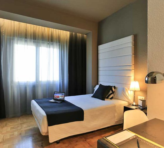 We present the individual rooms at the Sercotel Leyre Hotel ...