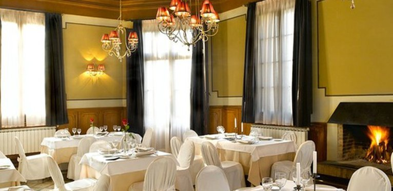 Sercotel Villa Engracia meeting rooms are ideal for social or ...