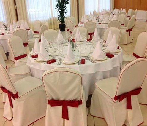 The Arinsal room is ideal for large celebrations. It has ...
