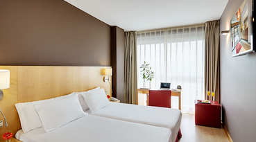 At Sercotel Portales Hotel we have combined luxury and comfort for your maximum rest and relaxation. This fabulous hotel in the famous Rioja wine region of Spain is located in the centre of Logroño near important monuments and cultural attractions. 