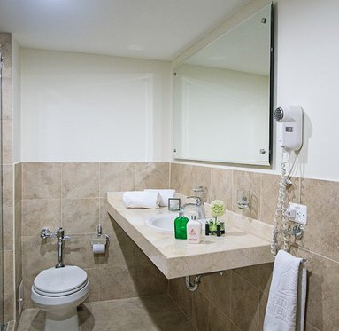 Bathrooms spacious, complete and equipped with hairdryer and amenities