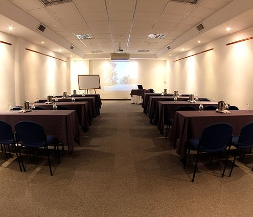 The Buritaca room is equipped with technological solutions as projector ...