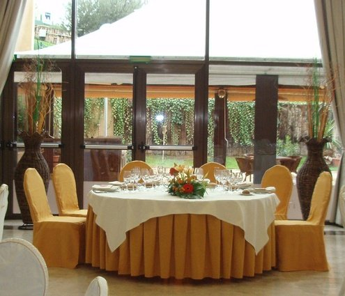 Banquet, U shape, theatre… the Beatriz function room can be ...