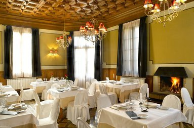 In 1926, Alfonso XIII held a gala dinner in our ...