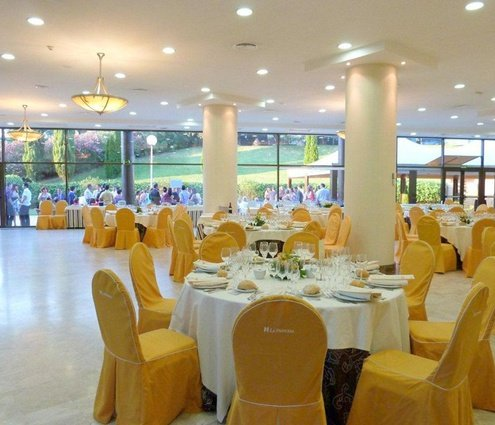 This function room has capacity for 235-510 guests, depending on ...