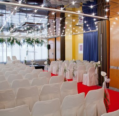 We set the rooms for your wedding to be special