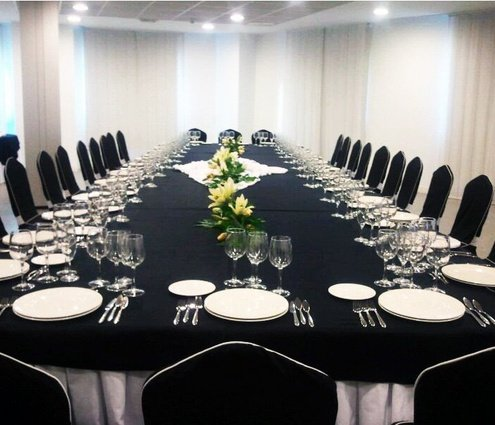 Piñon Room  with 120m2 offer day light  around all the ...