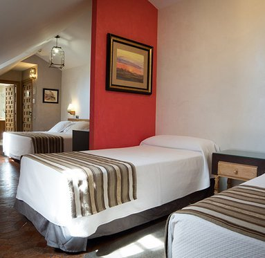Hotel Pintor el Greco - Double room with two extra beds