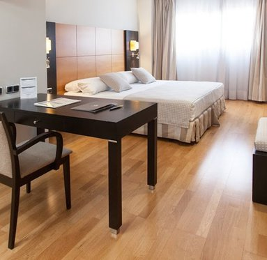 Bright and spacious rooms with free wireless internet