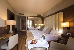 Our hotel in Granada offers twin rooms with a 23- ...
