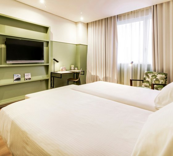 The triple rooms at the Hotel Acteón Valencia are very ...