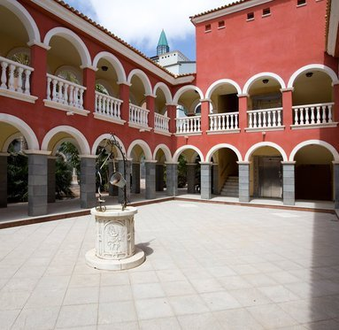 Interior Courtyard of our Hotel 4 * Superior