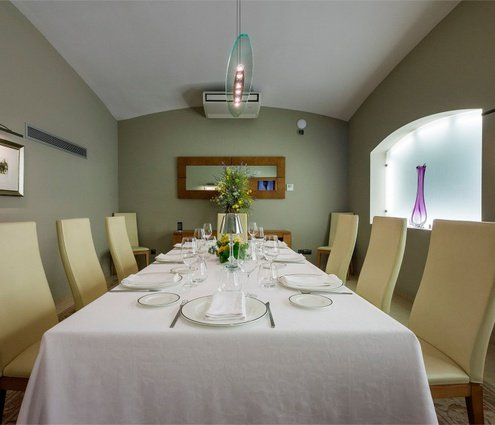 The restaurant És features a private room with a 12 ...