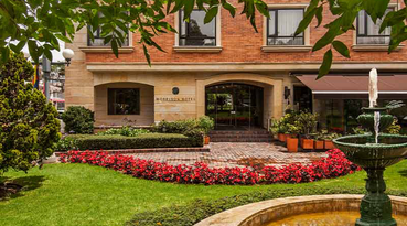 Located in the Zona Rosa de Chapinero, the Hotel Morrison 84 by Sercotel is a luxury 5-star hotel with 62 rooms. This hotel in Bogotá, Cundinamarca is the ideal accommodation for traveling as a family or for work. We have five meeting rooms equipped for all kind of celebrations, from a business meeting to a wedding in a hotel in the north of Bogotá. Enjoy a pleasant stay thanks to all the quality services available for you.  
