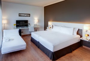 At Sercotel Gran Hotel Zurbarán you will find modern and ...