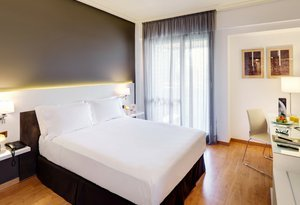 The Sercotel Gran Hotel Zurbarán offers you Junior Suites on ...