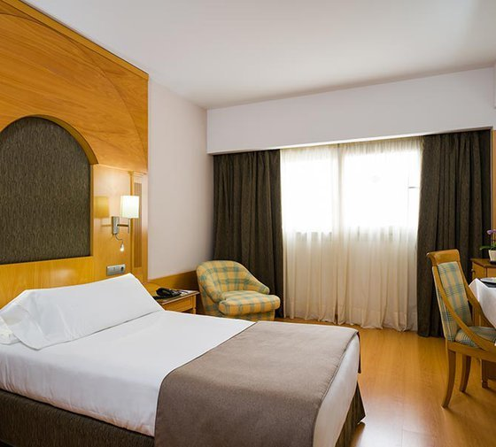 Our beach hotel in Las Palmas has 30 single rooms ...