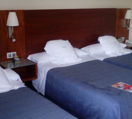 The family rooms have a surface of 4.50 x ...