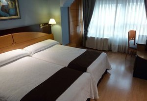 Our hotel in Burgos offers clients 66 twin rooms, whose ...