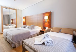 For family holidays, the Sercotel Gran  hotel has triple rooms ...