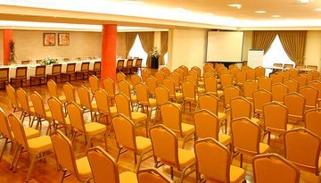Spacious rooms of meetings that will guarantee the success of ...