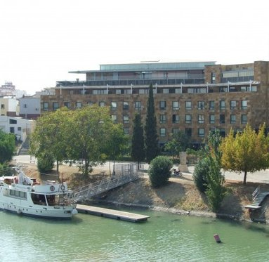 Offers magnificent views of the river Guadalquivir and old Seville ...