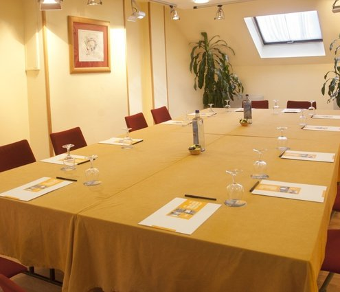 A 45-m² rectangular function room. Located on the top floor ...