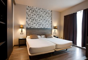 The  Sercotel Zaragoza Plaza Feria Hotel  offers spacious and functional ...